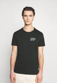 YOURTURN - T-shirt med print - black - 0