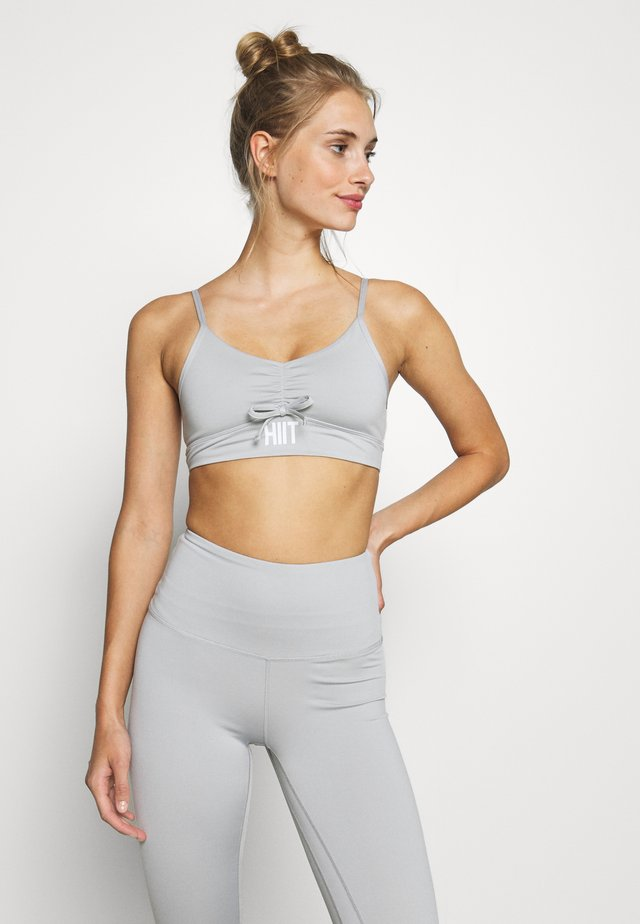 INNOKO RUCHED BRALET - Light support sports bra - mid grey