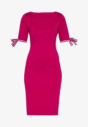 CLASSIC - Jumper dress - bright fuchsia