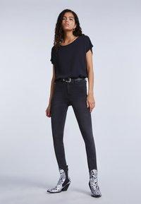 SET - Basic T-shirt - black - 1