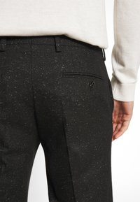 Jack & Jones PREMIUM - JPRRECYCLE TROUSER - Pantaloni eleganti - black - 5