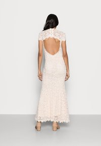Rosemunde - LONG LACE DRESS OPEN BACK SHORT SLEEVE - Occasion wear - soft ivory - 2