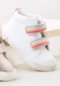 Next - TOUCH FASTENING  - Classic ankle boots - white - 3