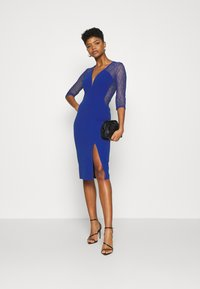 WAL G. - MAISIE SLEEVE MIDI DRESS - Juhlamekko - electric blue - 1