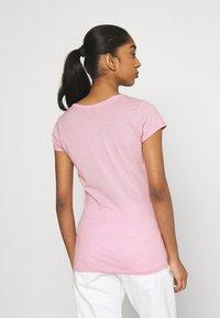 G-Star - EYBEN SLIM V T WMN S\S - Camiseta básica - lavender pink - 2