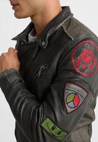 Freaky Nation - ROCKATANSKY - Leather jacket - oliv - 3