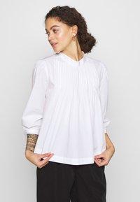 Selected Femme Petite - SLFNOVA - Bluzka - bright white - 0