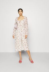 Missguided - FLORAL FRILL SHOULDER TIE DRESS - Day dress - cream - 1