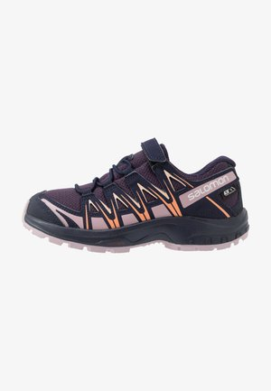 XA PRO 3D CSWP - Hikingsko - sweet grape/evening blue/mauve shad