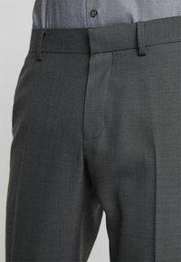 Isaac Dewhirst - SUIT - Garnitur - dark grey - 7