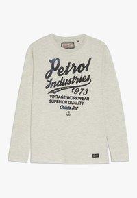 Petrol Industries - Langærmede T-shirts - antique white melee - 0