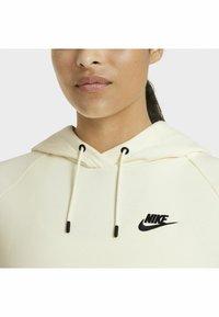 Nike Sportswear - HOODIE PLUS - Sweat à capuche - coconut milk/black - 9