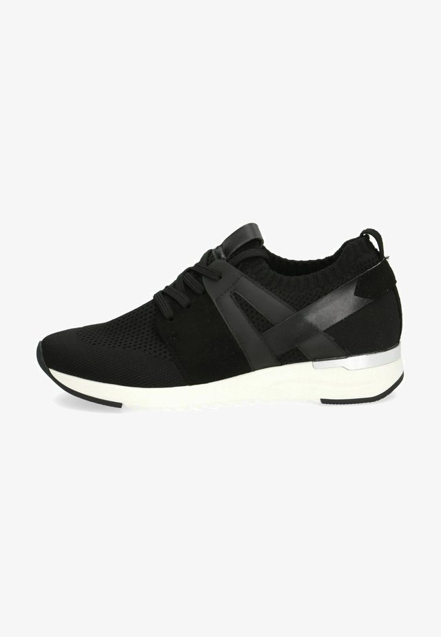 Sneakers - black knit comb