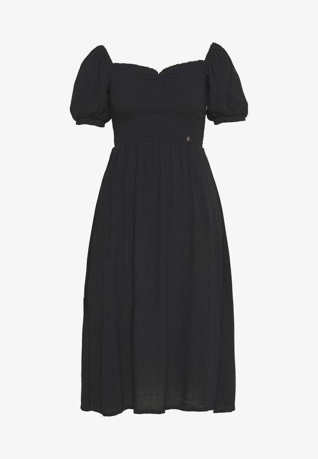 KALA SMOCKED MIDI DRESS - Denní šaty - black