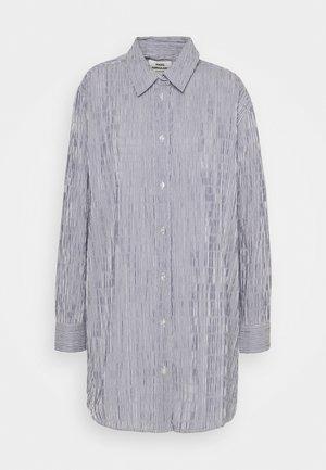 CRINCKLE POP SAXA - Button-down blouse - indigo/white