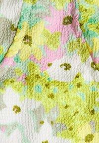 Glamorous - BUST DETAIL CROP - Blusa - green/pink - 2