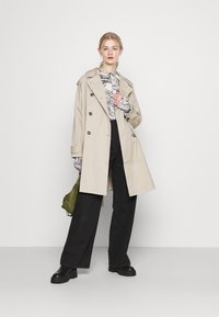 Monki - FAIRLY TOP - Maglietta a manica lunga - marble stone - 1
