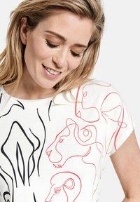 Gerry Weber - Print T-shirt - shell - 1