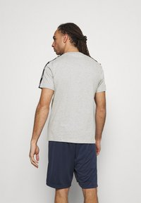 Reebok - TAPE TEE - Print T-shirt - medium grey heather - 2