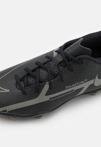 Nike Performance - JR. PHANTOM GT2 CLUB FG/MG UNISEX - Moulded stud football boots - black/iron grey/metallic bomber grey - 5
