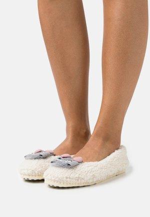 CARMEN - Slippers - offwhite
