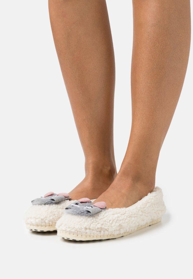Copenhagen Shoes - CARMEN - Pantofole - offwhite