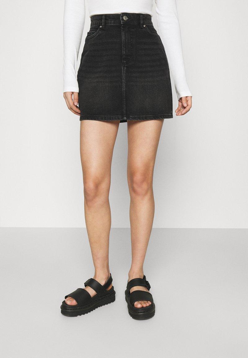 ONLY - ONLROSE LIFE ASHAPE SKIRT - Mini skirt - black denim