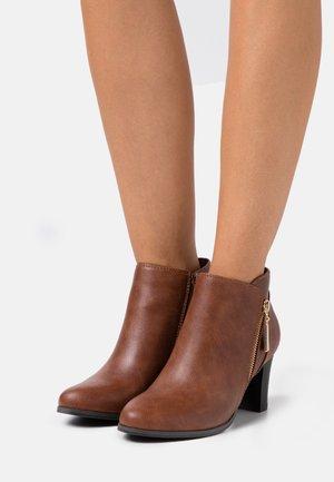 ARLA - Boots à talons - tan