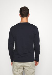 Tommy Hilfiger - SIGNATURE SLEEVE TEE - T-shirt à manches longues - blue - 2