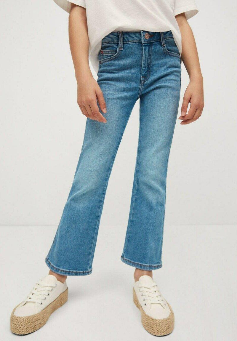Mango - Flared Jeans - bleu moyen