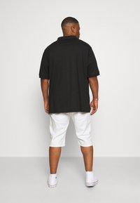INDICODE JEANS - KEN PLUS - Denim shorts - offwhite - 2