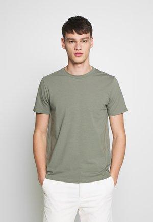 TEE - Basic T-shirt - platoone