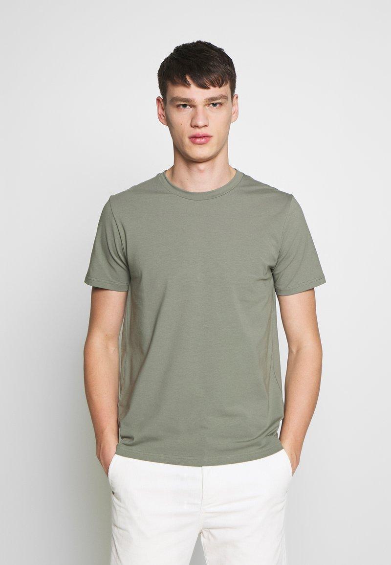 Filippa K - TEE - Basic T-shirt - platoone