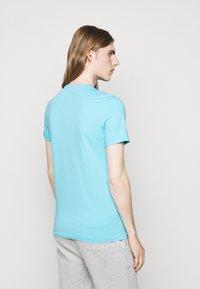 Polo Ralph Lauren - CUSTOM SLIM FIT CREWNECK - Basic T-shirt - french turquoise - 2