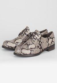 TJ Collection - DERBIES - Casual lace-ups - beige - 2