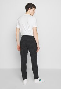 Paul Smith - GENTS DRAWSTRING TROUSER - Pantaloni - black - 2