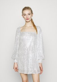 Missguided - BALLOON SLEEVE TIE BACK DRESS - Cocktail dress / Party dress - silver - 0