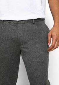 Jack & Jones - JJIMARCO JJPHIL - Pantaloni - grey melange - 4