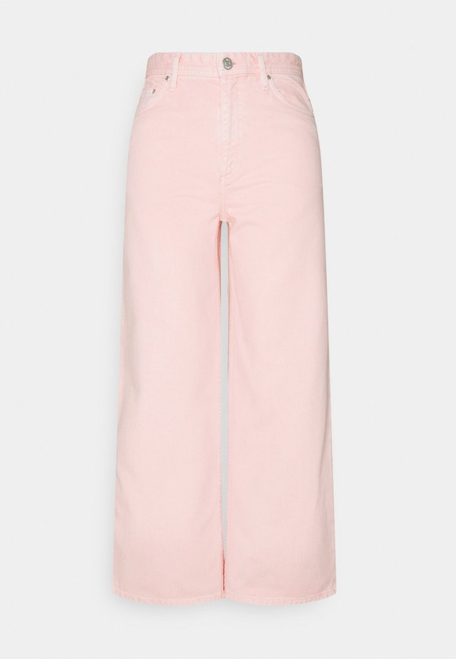 KIRI  - Flared jeans - english rose