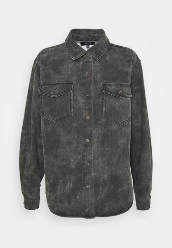 TIE DYE CAMO - Košile - black