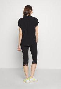 Anna Field - Capri Leggings with Lace - Leggings - Trousers -  black - 2