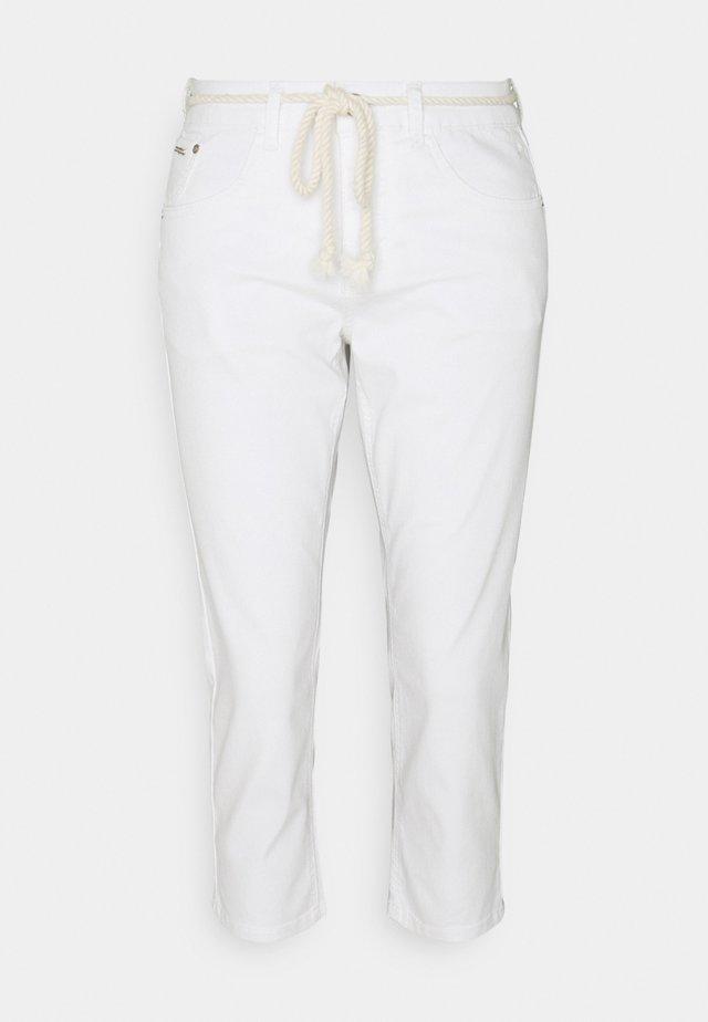 CRVAVA PANT COCO FIT - Spodnie materiałowe - snow white