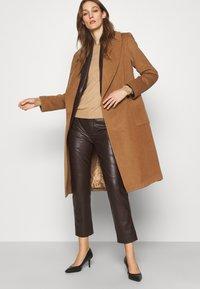 Lauren Ralph Lauren - LINED COAT - Classic coat - new vicuna - 3