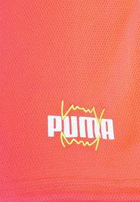 Puma - FLARE SHORT - Sports shorts - fiery coral - 2