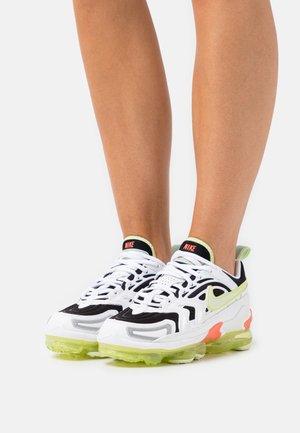 AIR MAX VAPORMAX EVO - Sneakers basse - white/light lemon twist/black/lime ice/pistachio frost/magic ember