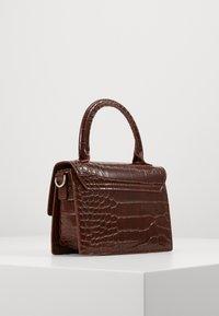 Monki - SHIRIN BAG - Håndveske - brown cocco - 2