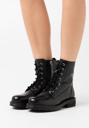 WALDECK - Šněrovací kotníkové boty - black