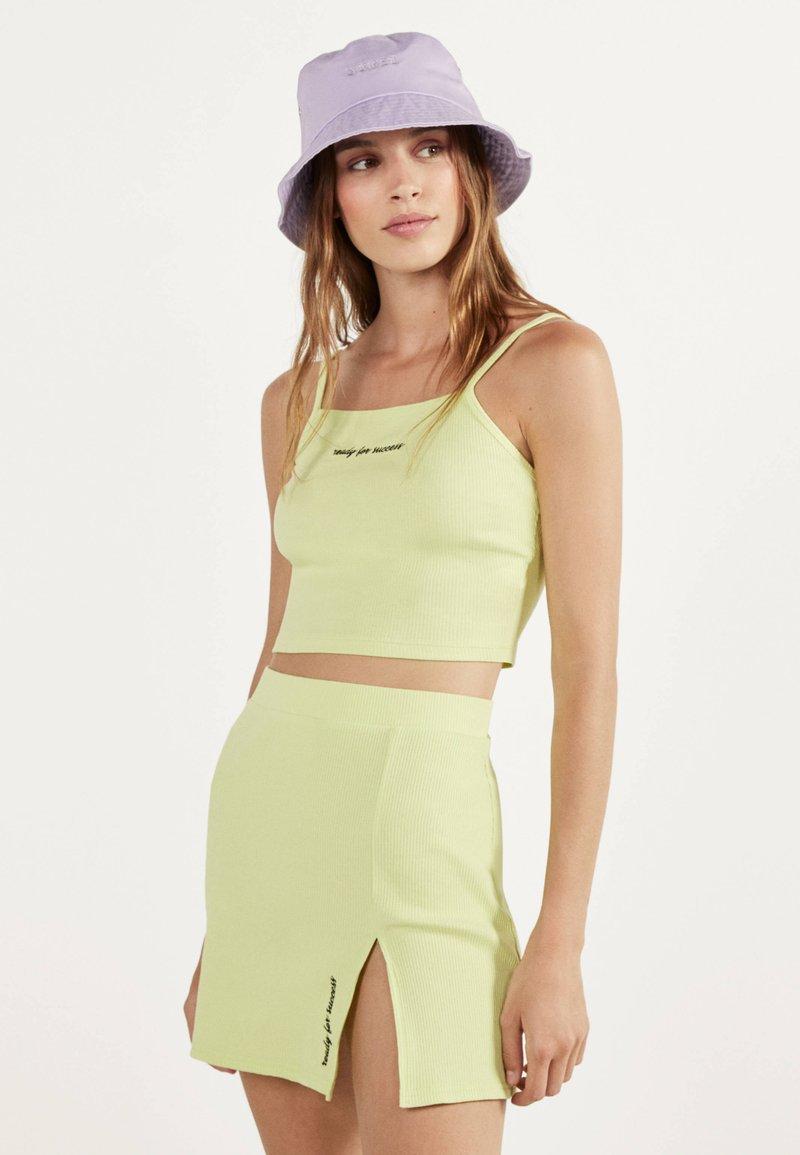 Bershka - KURZER BLEISTIFTROCK 00585019 - A-line skirt - neon yellow