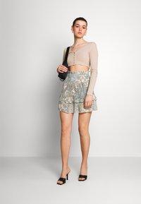 ONLY - ONLALLY SMOCK LAYERED SKIRT - Mini skirt - kalamata/desert - 1