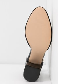 Dorothy Perkins Wide Fit - WIDE FIT DEBS ROUND TOW TWO PART COURT - Høye hæler - black - 6